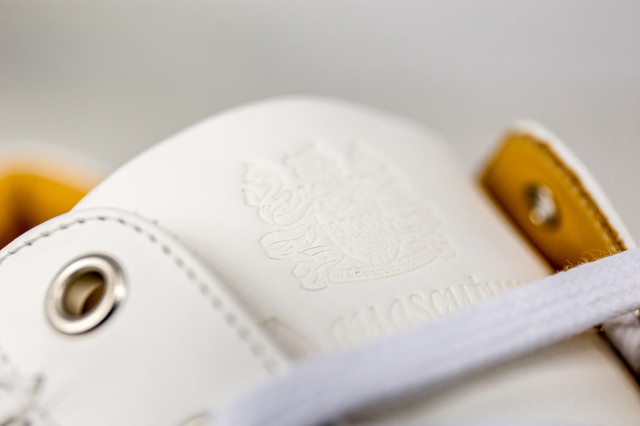 j-walk_aquascutum_trainer_logo_detail_leather_shoe